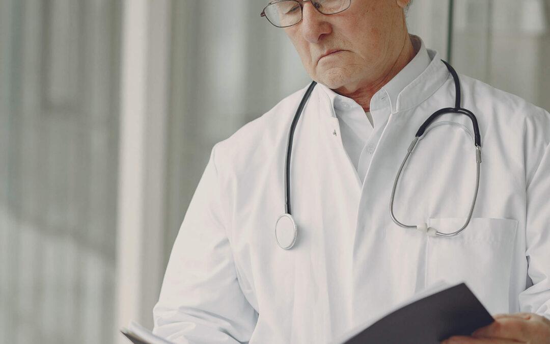 Cómo el embargo preventivo de un médico puede afectar su liquidación de lesiones personales
